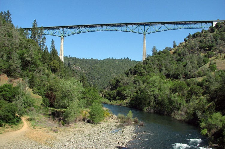 foresthill_bridge_on_american_river